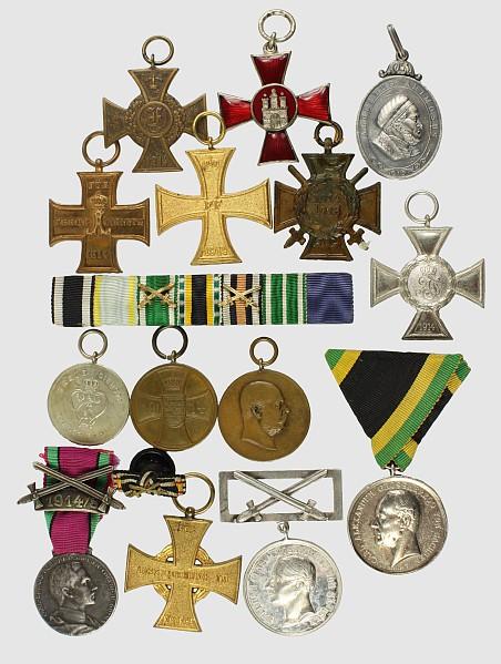 Konvolut von 16 Ehrenzeichen